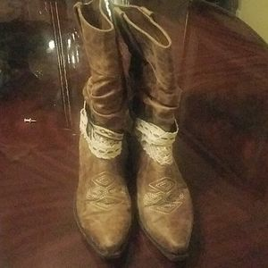 BKE Sole Distressed Cowboy Boots